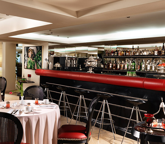 Restaurants and Lobby